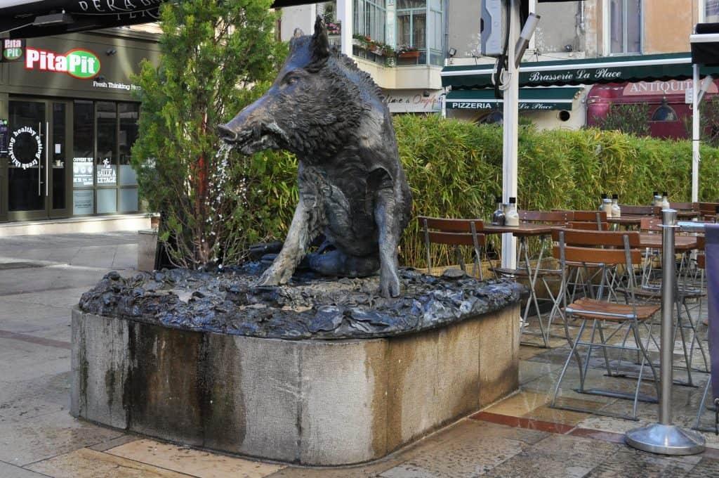 Fountains in Aix-en-Provence, France   La fontaine du Sanglier