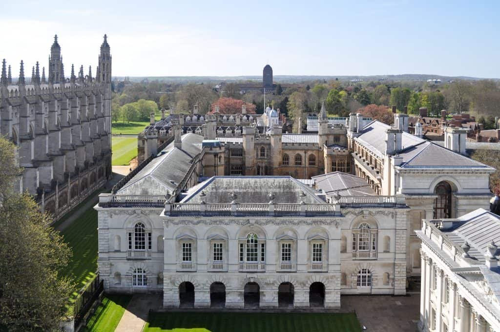 Senate House at the University of Cambridge | Oxford vs Cambridge: The best English University town