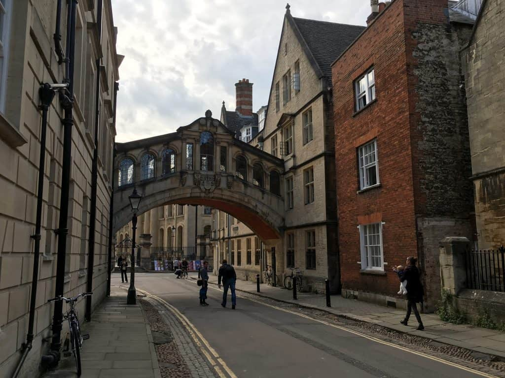 Bridge of Sighs in Oxford, England | Oxford vs Cambridge: The best English University town