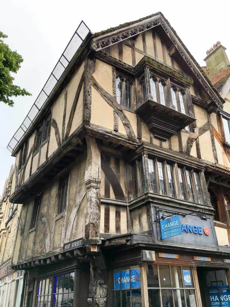 Timber house in Oxford, England   Oxford vs Cambridge: The best English University town