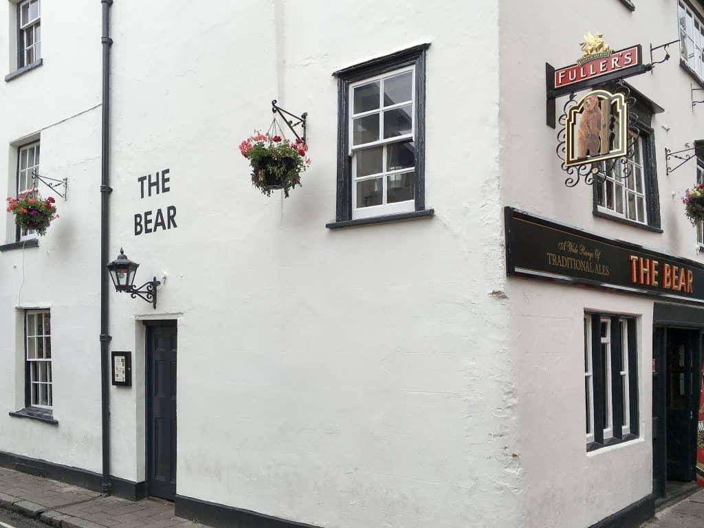 The Bear Pub in Oxford, England