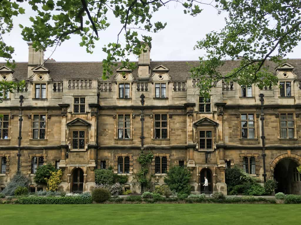 Pembroke College | The 5 Best Cambridge Colleges You Must Visit | After visiting all 31 colleges of the University of Cambridge in England, we've picked the 5 best Cambridge colleges to visit. With beautiful gardens and buildings that looks like castles, it often feels like you're stepping back in time and into a fairytale when you pass through the college gates.