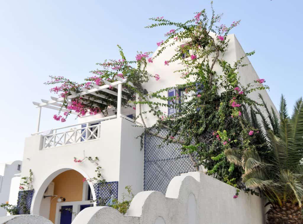 Where to stay in Perissa, Santorini | The Best hotels in Perissa