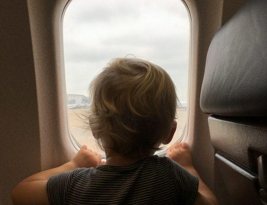Traveling with a baby | 8 tips for a smoother flight