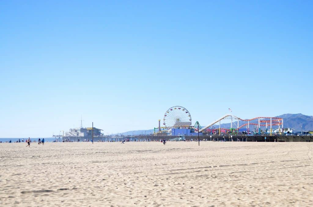 The Ultimate LA Bucket List   101 Things to do in Los Angeles. All of the best Los Angeles has to offer, convenient organized by neighborhood!