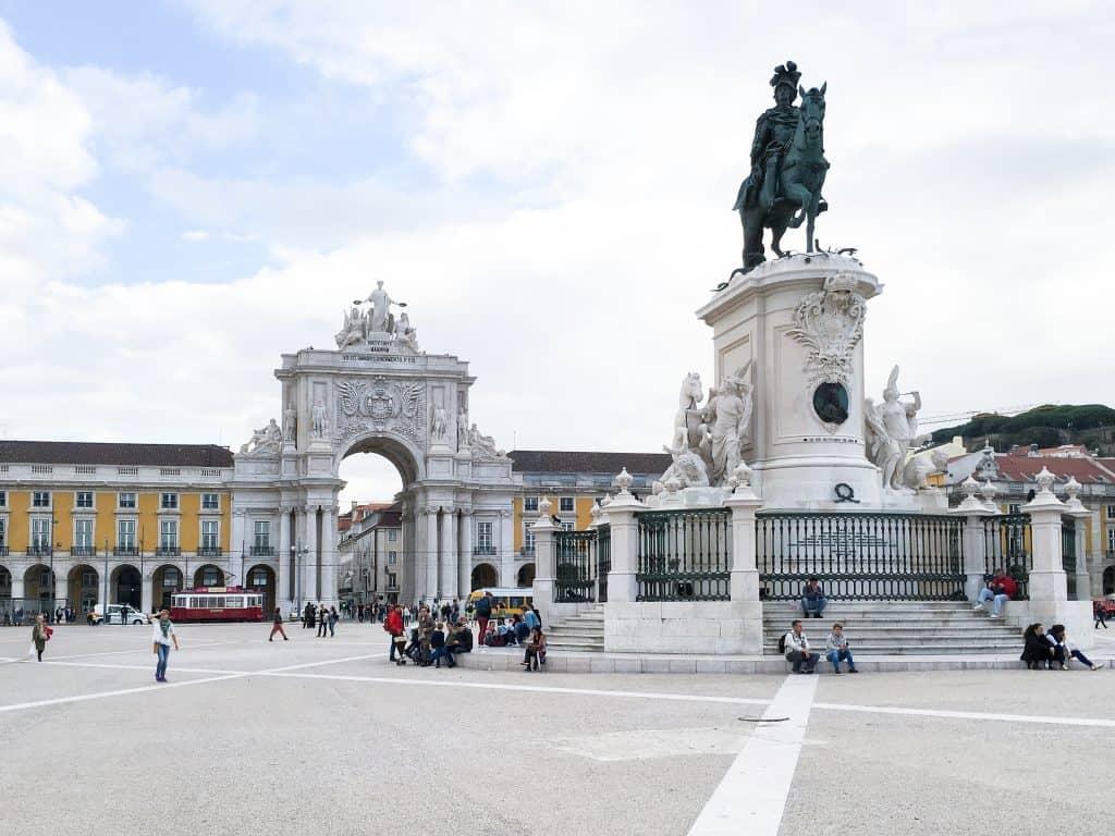 19 лучших мест для посещения в Португалии | Лиссабон 19 самых красивых городов и городов для посещения в Португалии 19 Самых Красивых Мест Для Посещения В Португалии Lisbon 13 1024x768