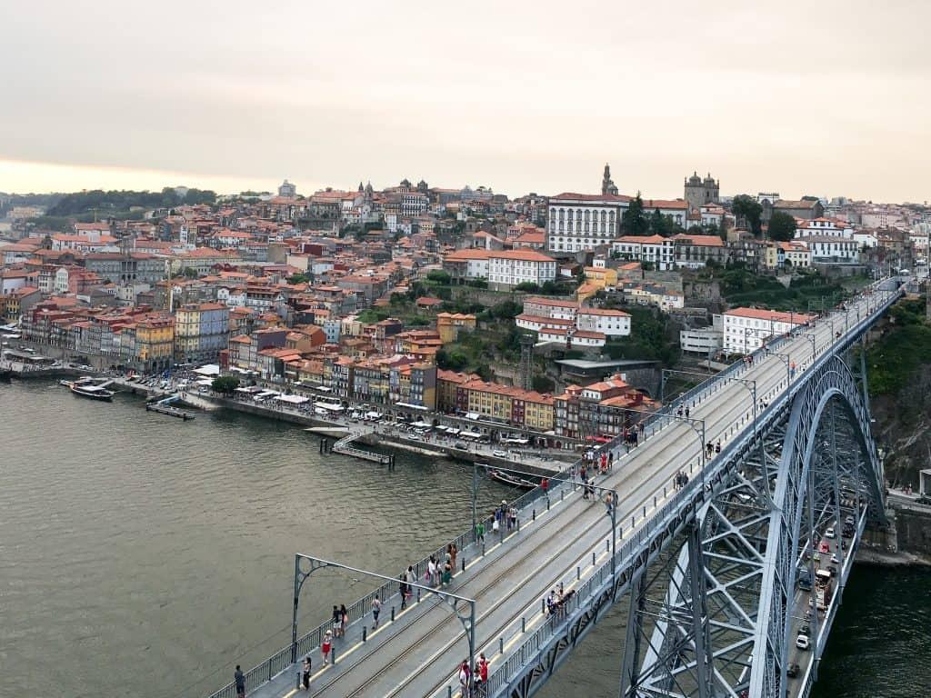 19 лучших мест для посещения в Португалии 19 самых красивых городов и городов для посещения в Португалии 19 Самых Красивых Мест Для Посещения В Португалии Porto 22 1024x768