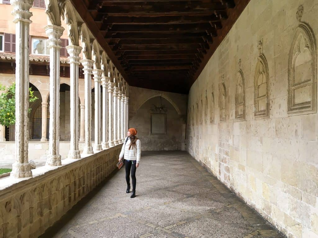 Visiting Mallorca in the Winter | Cloister in Palma | Spain