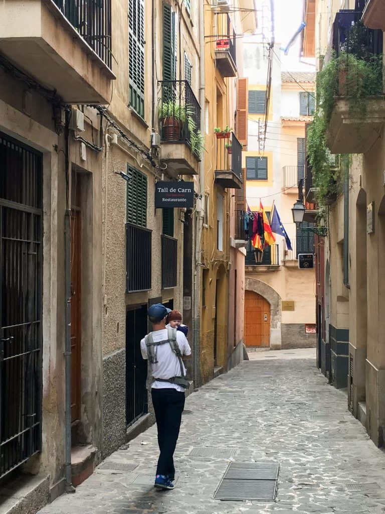 Winter in Mallorca | Walking through the empty streets of Palma