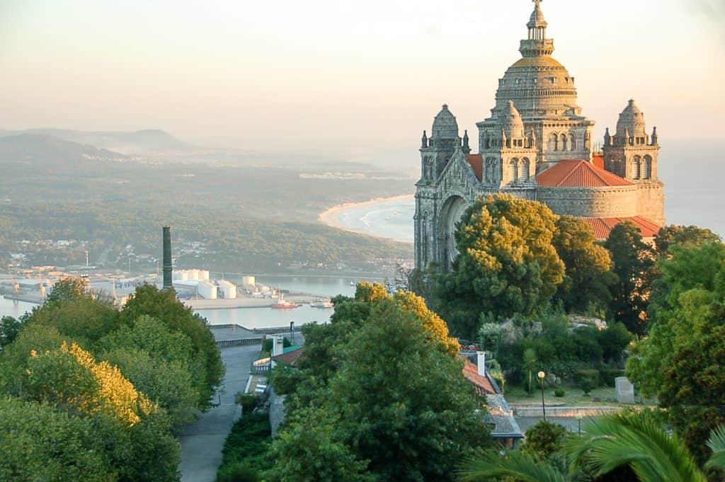 Виана-ду-Каштелу | 19 лучших мест для посещения в Португалии 19 самых красивых городов и городов для посещения в Португалии 19 Самых Красивых Мест Для Посещения В Португалии 4 Viana do Castelo 1024x681