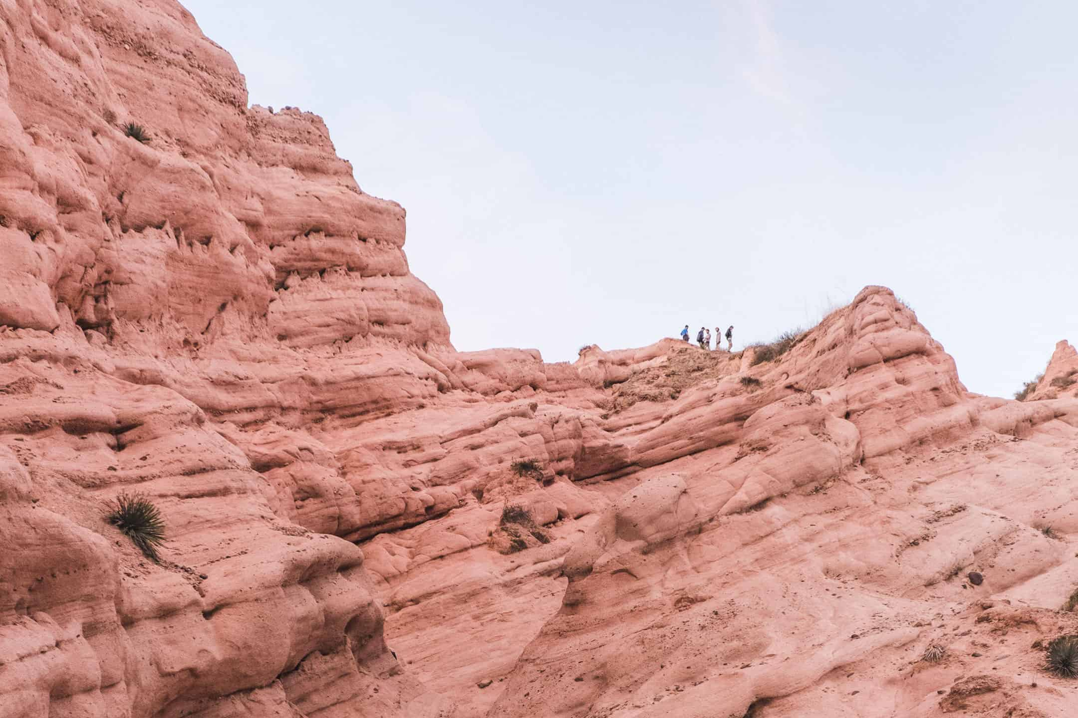 Hiking Red Rock Canyon Trail in Whiting Ranch Wilderness Park | Hike through Whiting Ranch Wilderness Park to find this unique red sandstone canyon that's right here in Southern California | Beautiful hikes in Orange County