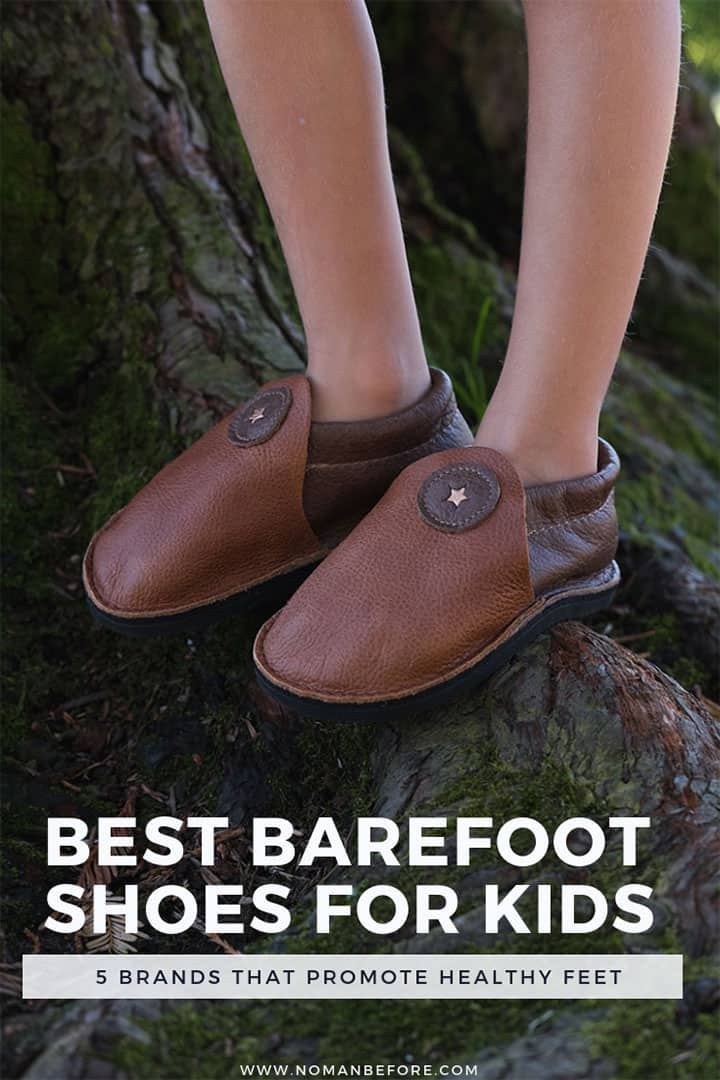 The thin, flexible soles and wide toe-box of barefoot shoes allow a child's foot to develop naturally. Learn more about the best barefoot shoes for kids! #barefootshoes #minimalistshoes