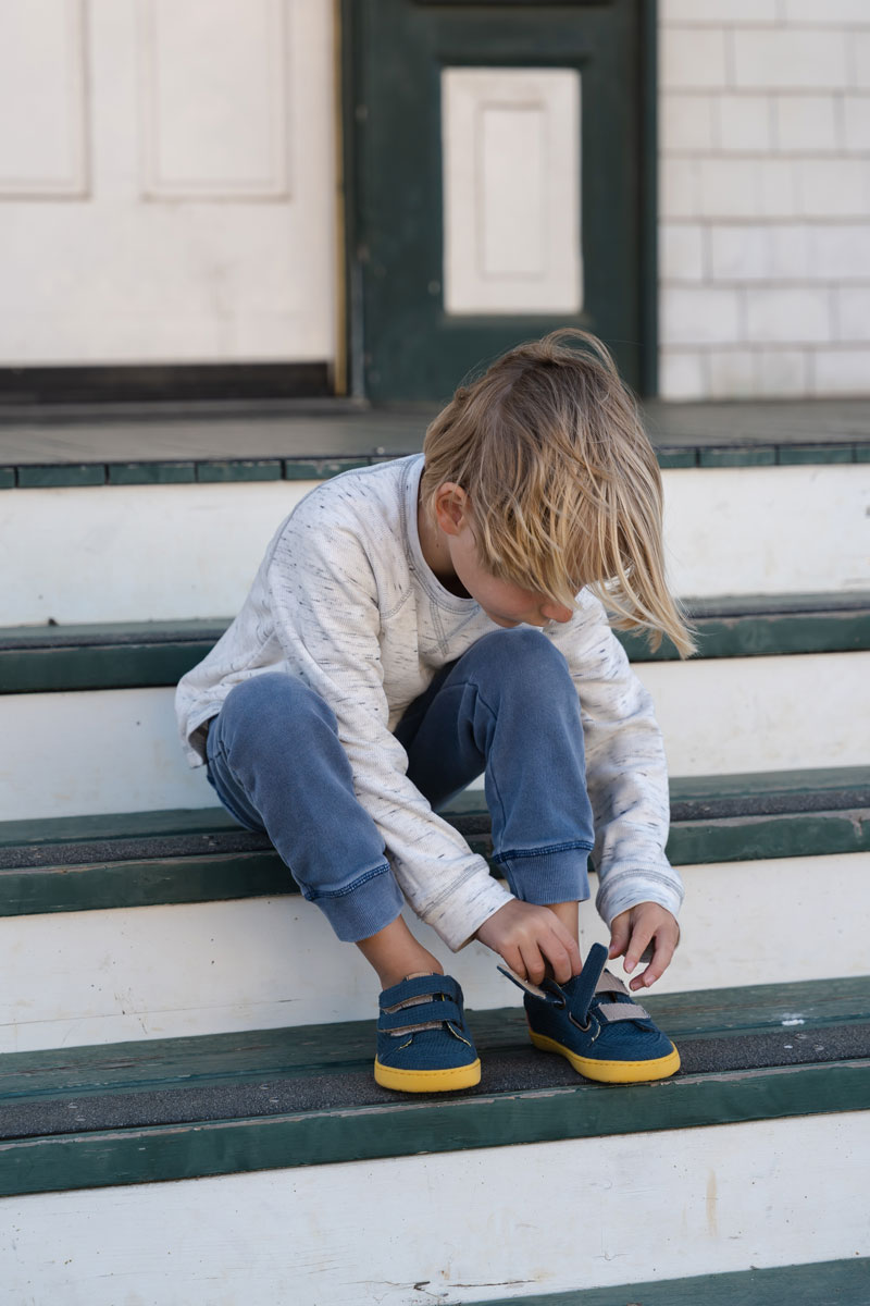 Easy velcro on minimalist shoes for kids