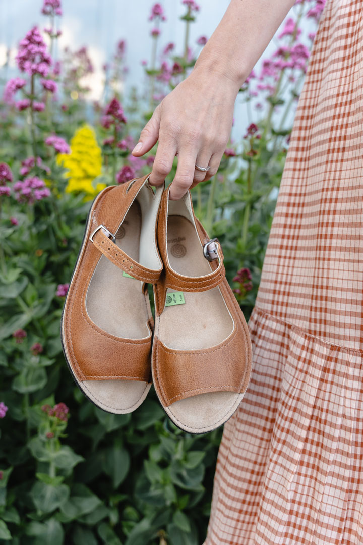 Handmade barefoot leather sandals by Softstar shoes